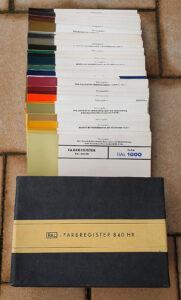 RAL-840-HR Colour Chart